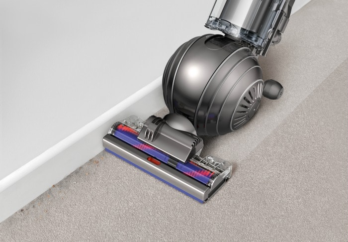 Dyson Cinetic Edge cleaning