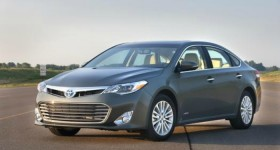 Toyota Avalon Hybrid Side
