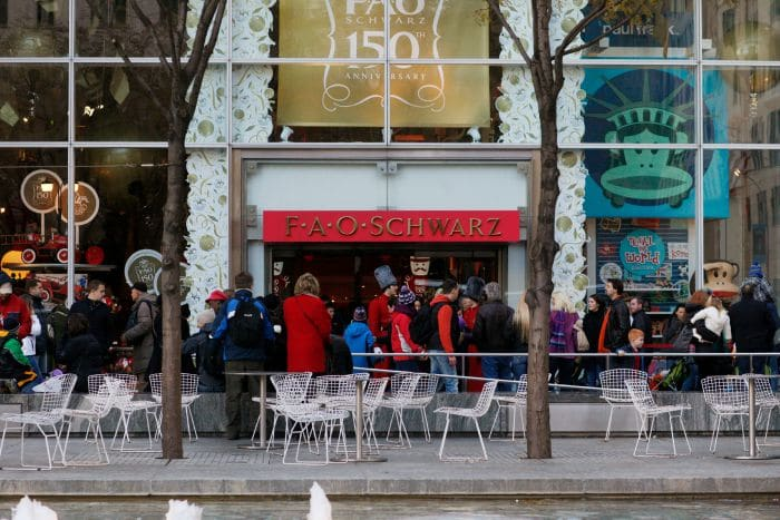 fao schwarz  Family Activities in NYC