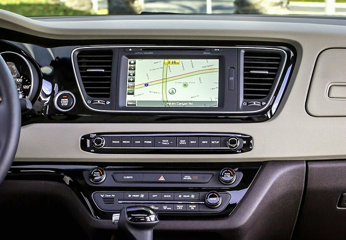 2016-Kia-Sedona-SiriusXM-and-Navigation