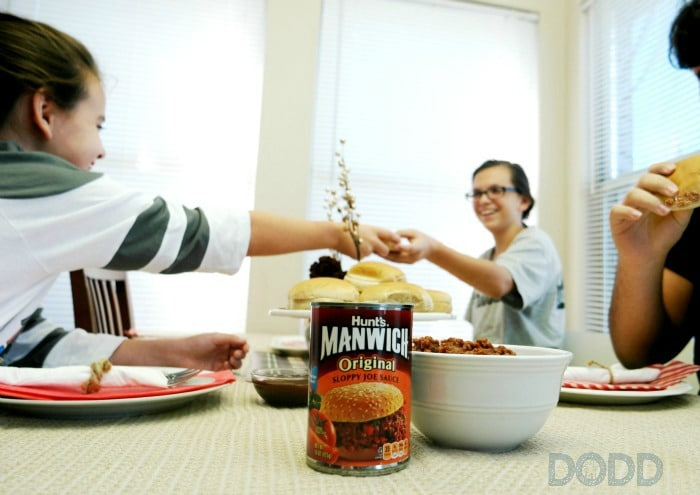 Join the #ManwichTonight Twitter Party, 10/18 at 7pm CT