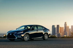 5 Top Reasons You Should Choose a Lexus ES 300H