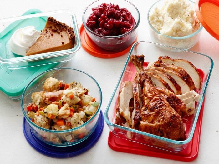 fn_leftovers-thanksgiving-opener_s4x3