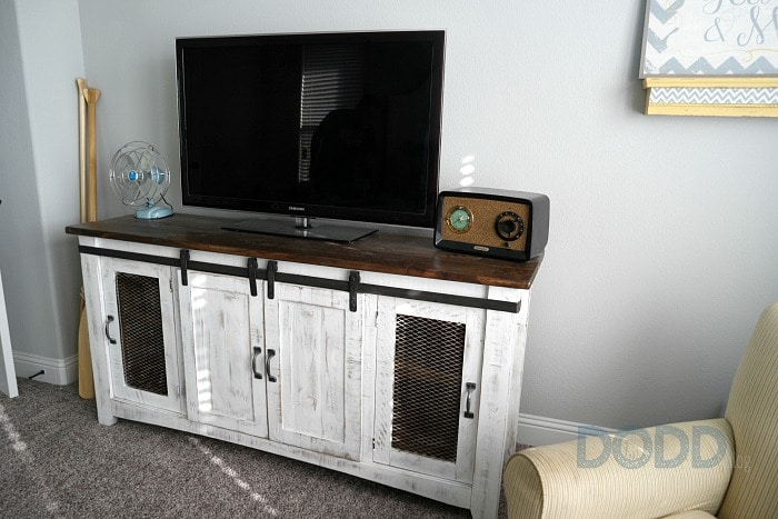 how to hide cords on a wall mounted tv. Black Bedroom Furniture Sets. Home Design Ideas