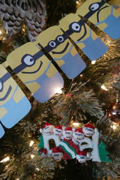 Minions Christmas Garland