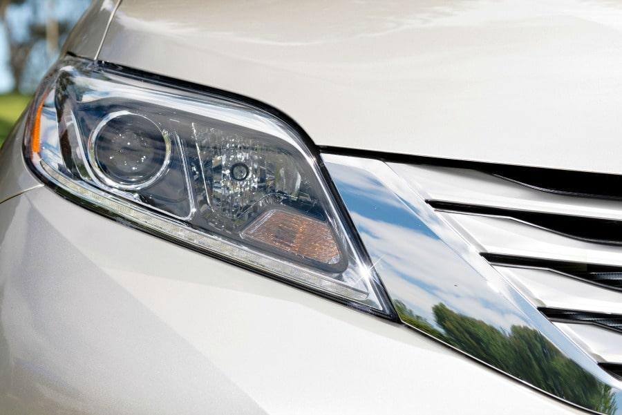 Toyota Sienna Headlamps