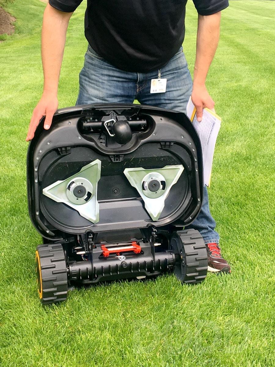 Cub Cadet Robotics