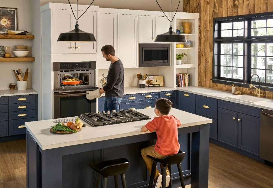 Add Efficiency and Flexibility to the Kitchen – 30″ LG Double Oven