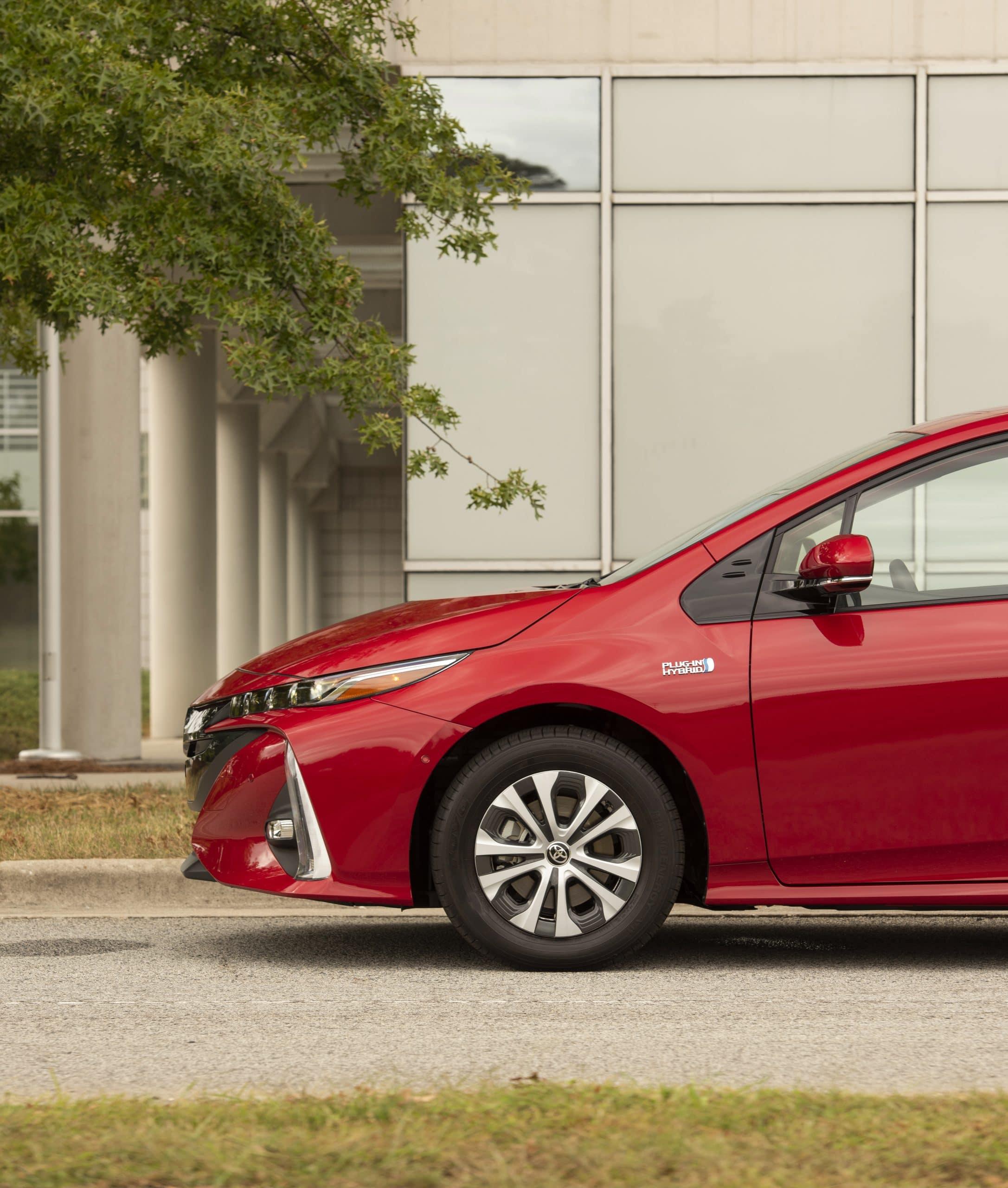 2020 Toyota Prius Prime Takes Hybrid Up a Notch