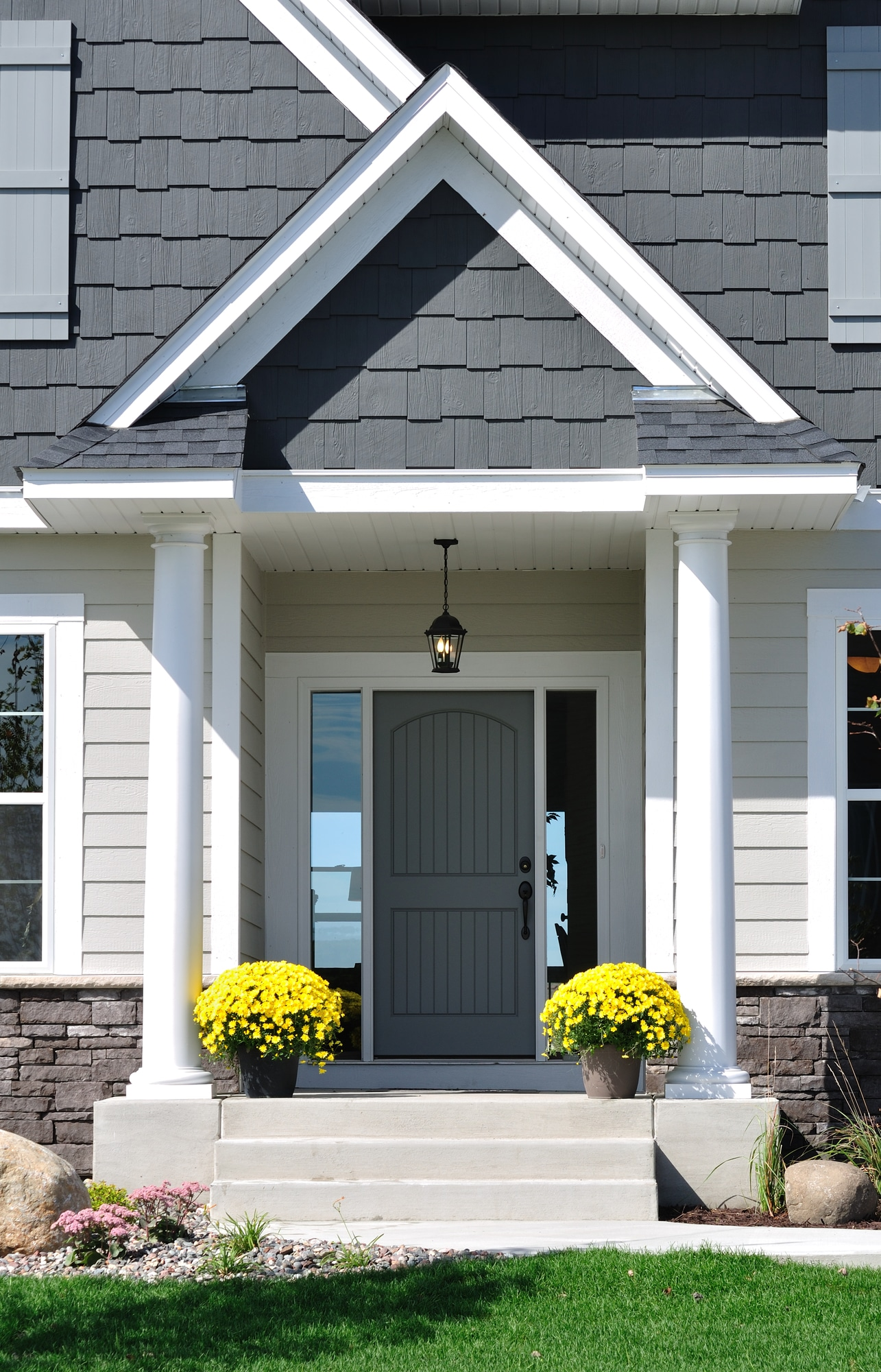 Adding Curb Appeal: 5 DIY Projects That Virtually Pay for Themselves