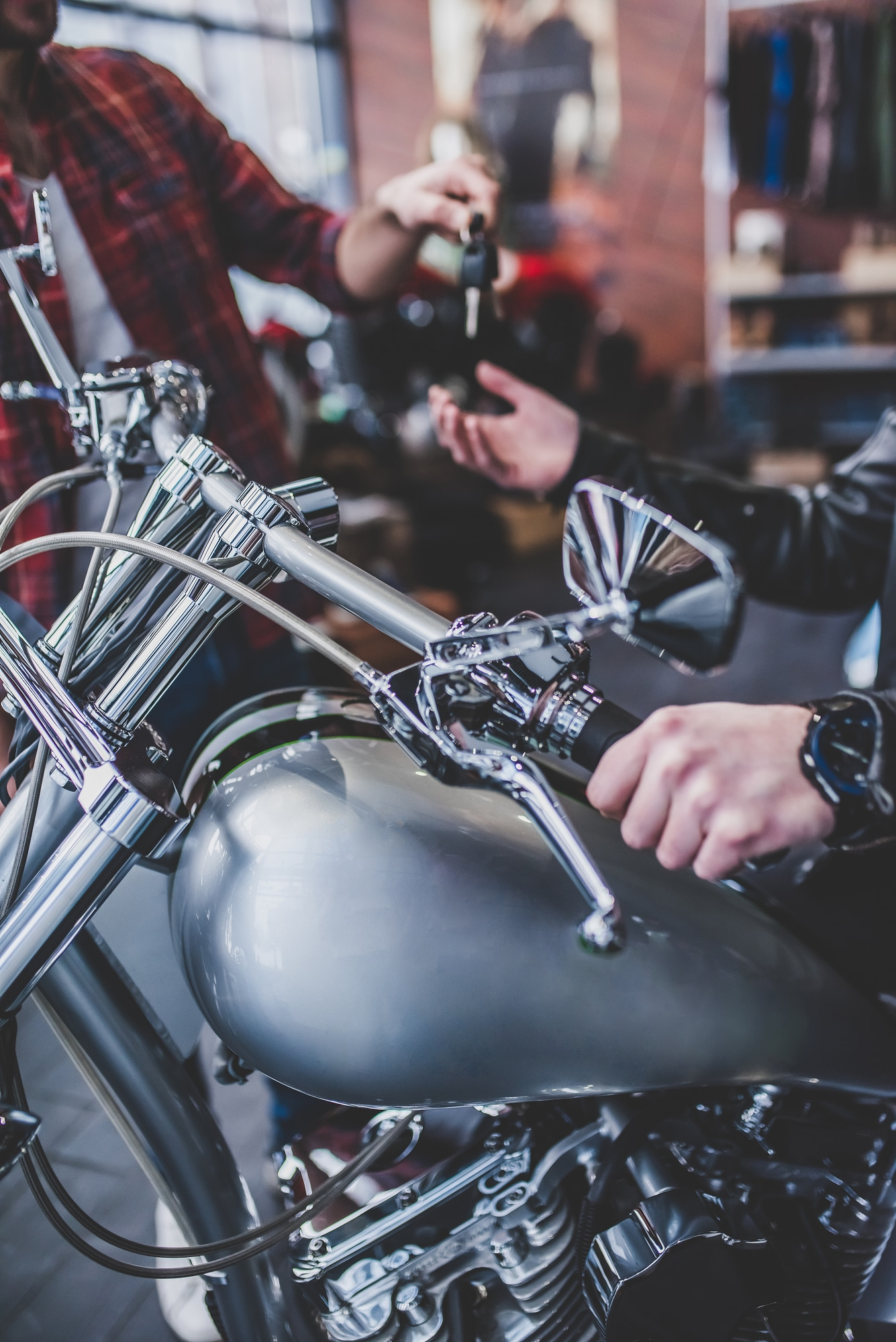 About to Buy a New Motorbike? Make Sure to Get These 7 Accessories Too