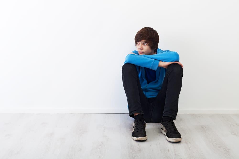 3 Ways Parents Can Help Their Shy Teens Build Confidence