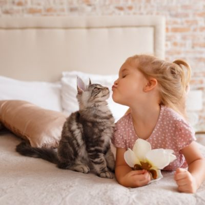 4 Tips for Teaching Your Kids How to be Pet Owners