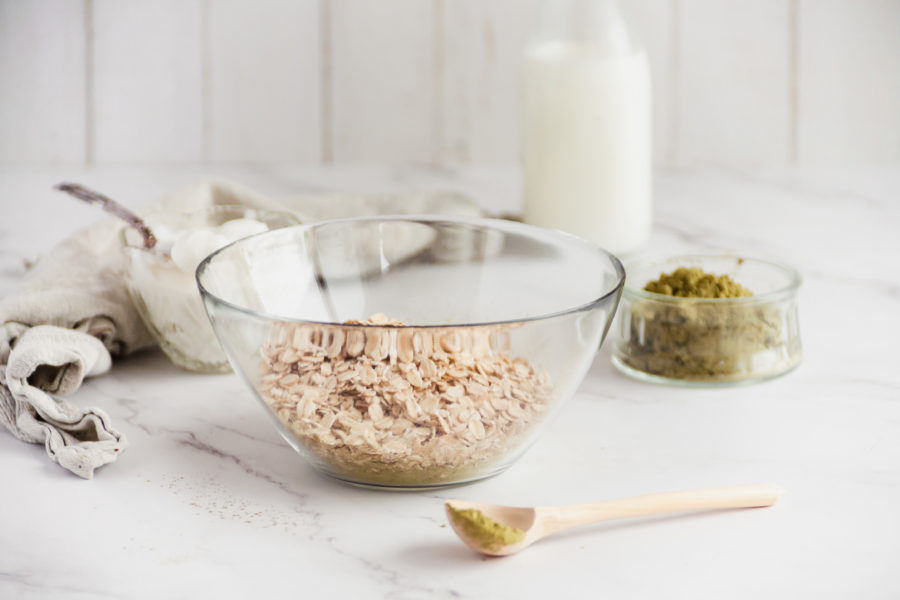 Bowl of dry oats
