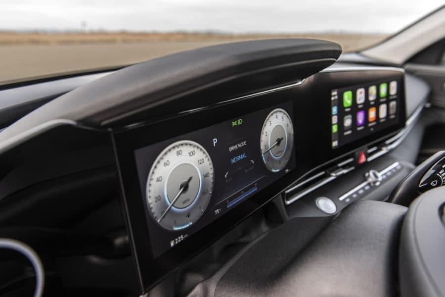 the tech in the 2021 Hyundai Elantra
