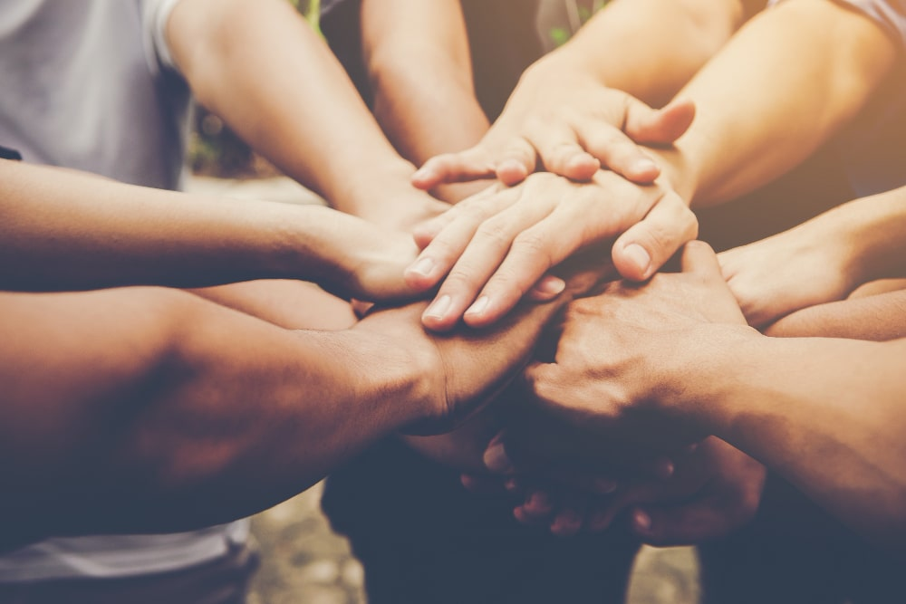 How To Help Your Community: 6 Useful Tips